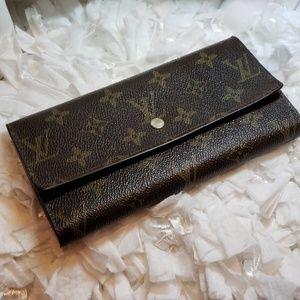 Handbags - Pretty fashion wallet